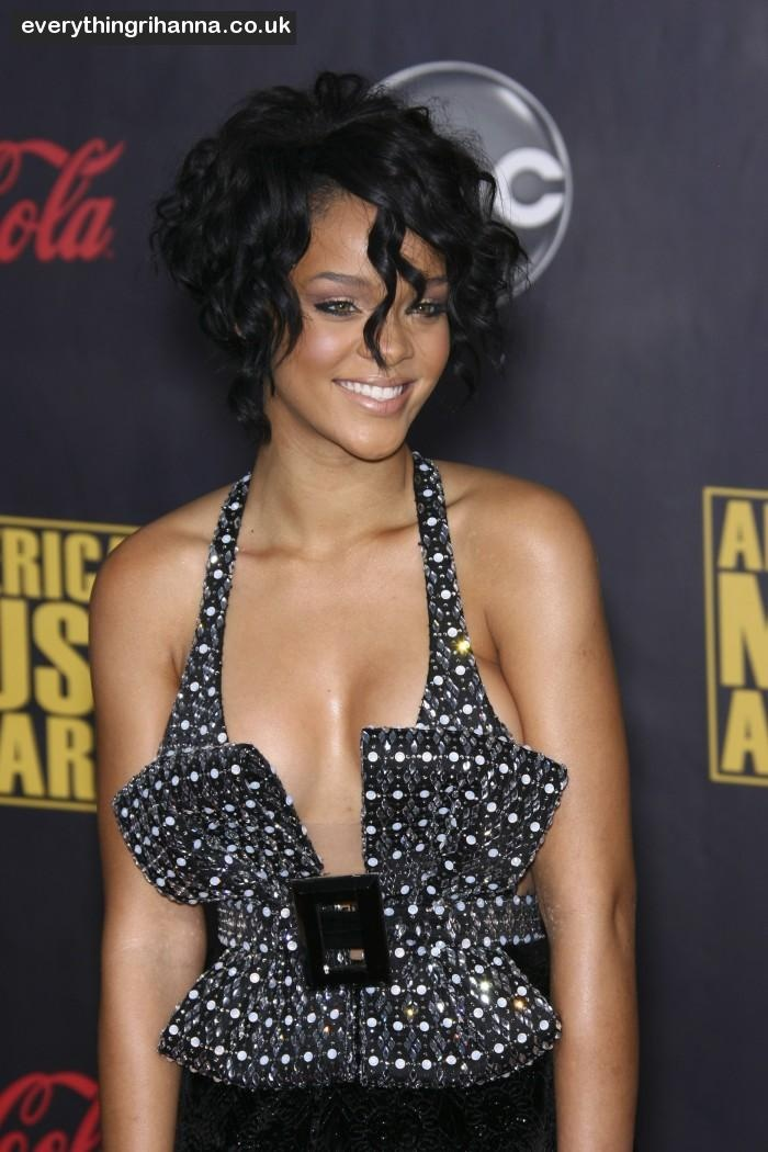 short curly hair...always wanted a cut like this...don't have the courage for it tho lol