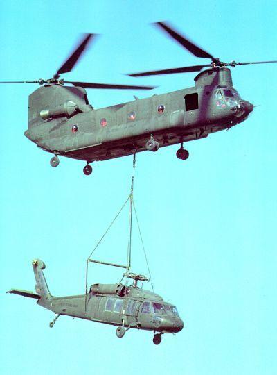 CH-47D Chinook slinging a UH-60 Blackhawk | CH-47 Chinook ...