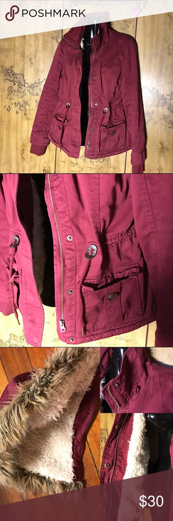 Arizona Jeans Jacket 🎨 - Maroon • Arizona Jeans brand •  signs of wear, *GUC* Inside Lined with Fur The back does flip up a bit, as shown in photo Detachable hoodie    🚫 No Trades!!! Thank You. ✅Reasonable Offers Considered. 🛒Use Bundle Feature to Receive Discount! 🆓🎁For Orders Over $40. Arizona Jean Company Jackets & Coats
