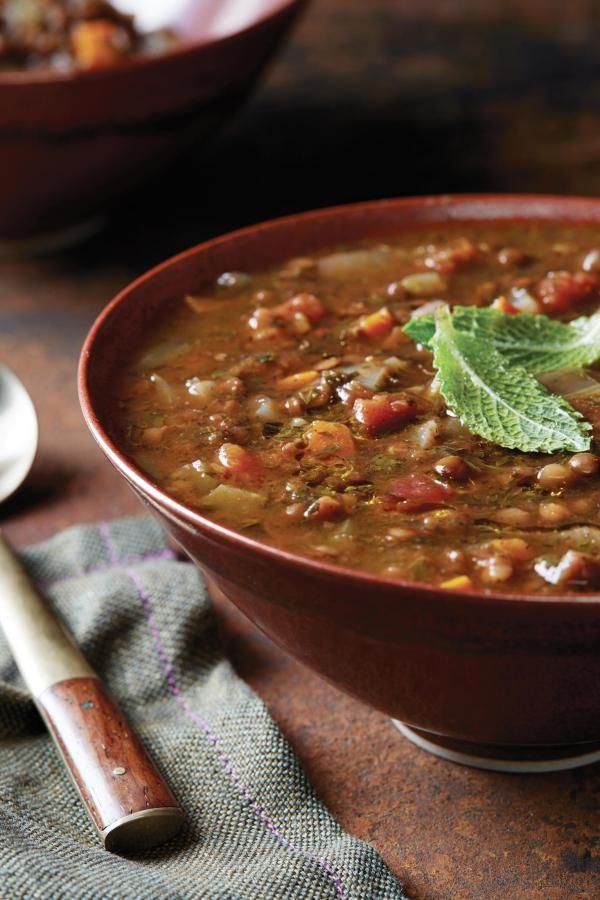 Kaum eine Küche ist momentan so beliebt wie die persische.Mit ihren wunderbaren Gewürzen, Früchten, Kräutern und Nüssen verwandelt sie Deine nächste Dinnerparty in einen Traum aus TausendundeineNacht.