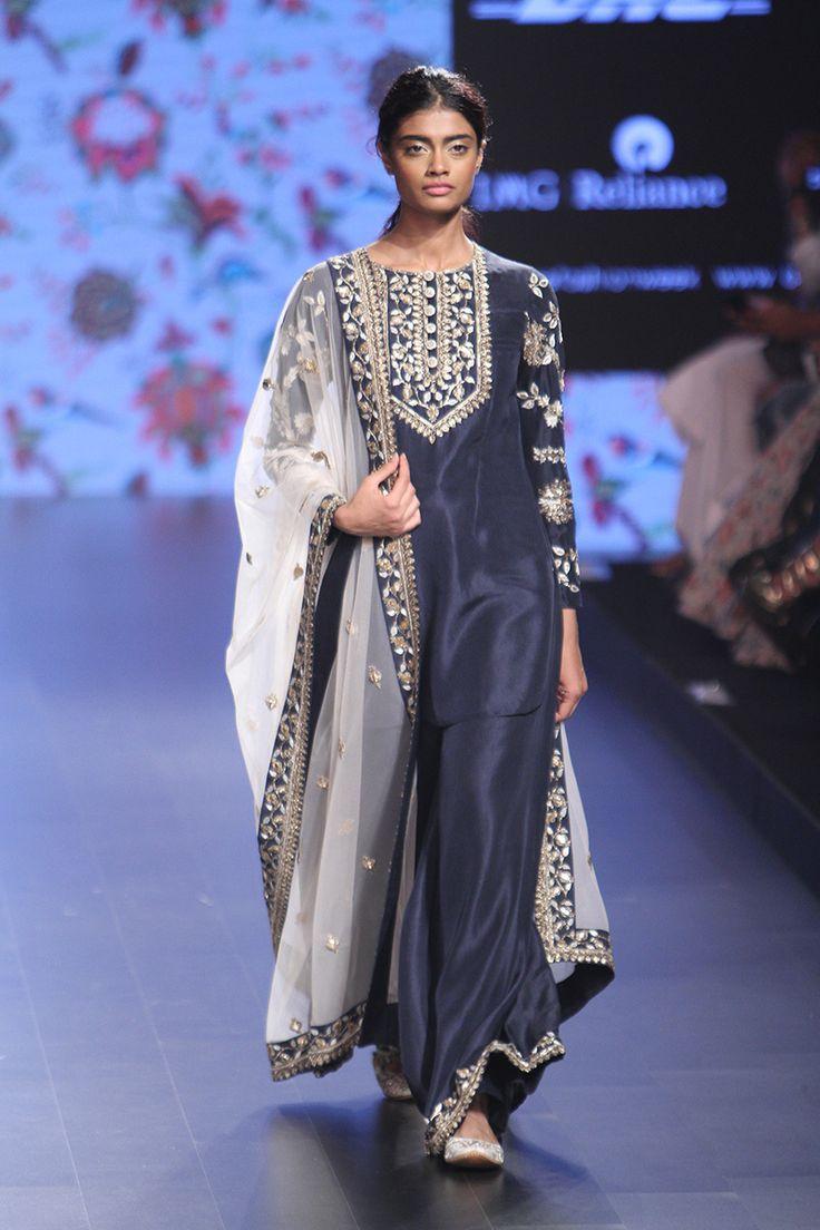 Payal Singhal at Lakmé Fashion Week summer/resort 2016