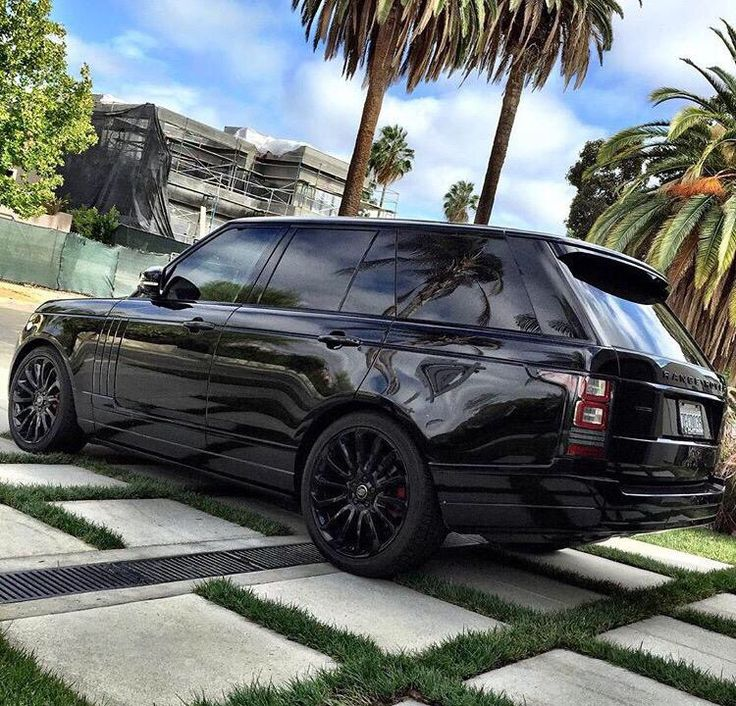 My dream car. Will be mine one day soon. Range Rover Sport