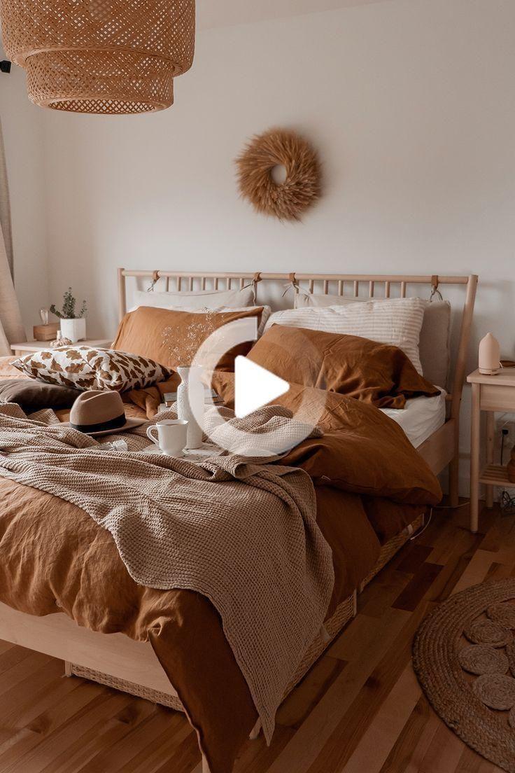 biancheria da letto di abbronzatura sul decor camera neutra ...