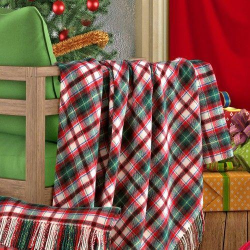 """CANAZEI. Un plaid di pura lana Merinos fine, dalla mano soffice e delicata.  Throw made from fine pure Merino Wool with a soft and delicate """"hand"""". www.marzottohome.com"""