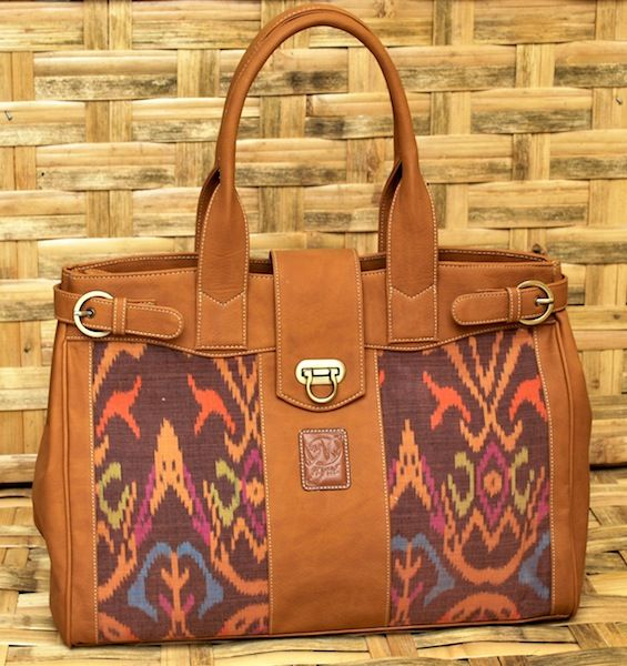 Roomy bag with Ikat twist from Nyai