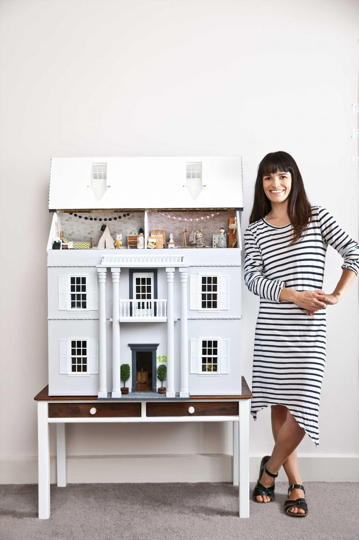 Linzi MacDonald (http://www.littlelinzi.bigcartel.com) has created an amazing dollhouse renovation for her daughter, where she has re-created great designs as miniature pieces. Photography by Sam McAdam-Cooper.
