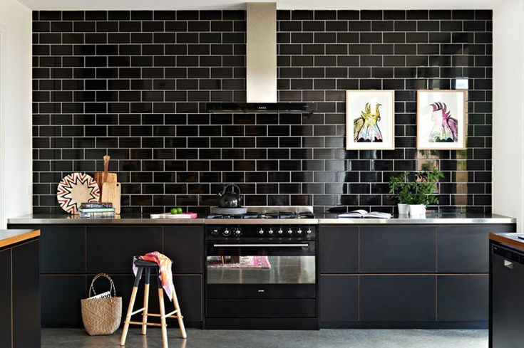 Inspiration from Emma O'Meara on Desire to Inspire: Kitchens Interiors, Kitchen 2 Kitchens, Home Decor Ideas, Black Kitchens, Tile Desiretoinspir Net, Architecture Decor, Kitchen, Subway Tiles, Black Subway Tile