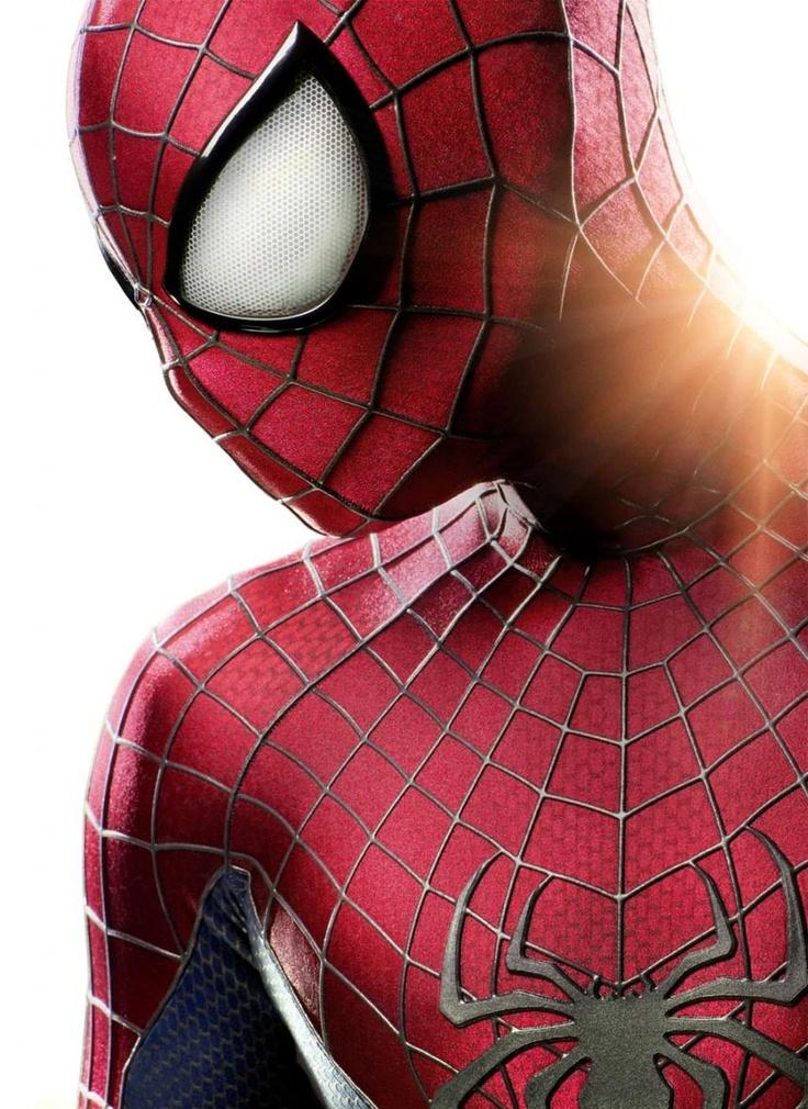 Homem-Aranha ganha uniforme mais estilizado em novo filme; veja aqui:  http://rollingstone.com.br/noticia/homem-aranha-ganha-uniforme-mais-estilizado-em-novo-filme/