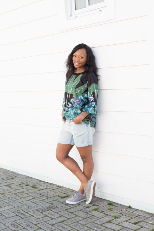 Old Khaki Essential: Kassa Tropical print Blouse