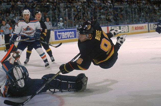 Pavel Bure's number to be retired by Canucks