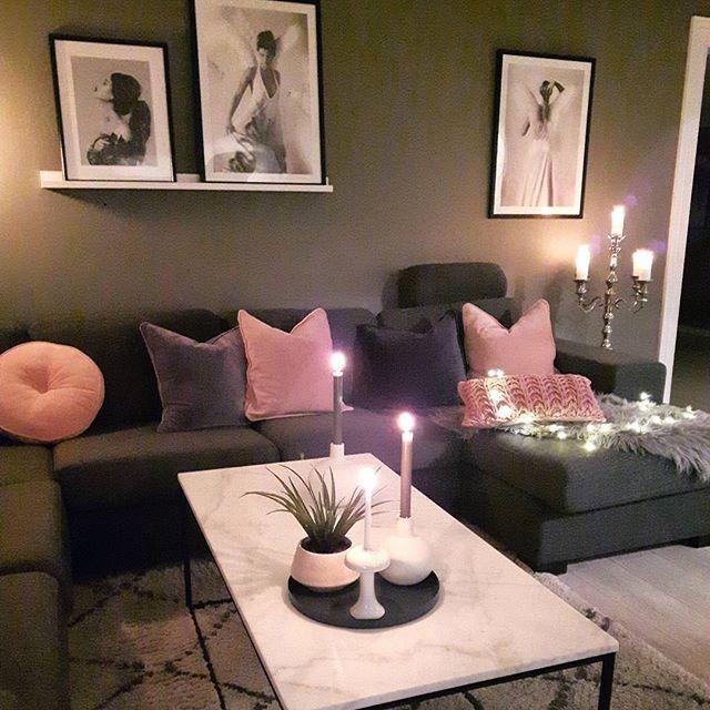 🌸HAPPY FRIDAY🌸I dag har jeg hatt fri..og snart blir det kinamat og Tv kos😃😄#livingroom #vardagsrum #stue#sofa#rosa#grått#pillows#puter#interiordesign #kählerdesign #globo #cooeedesign #dustypink #classichome #dream_interiors #hem_inspiration #interior4you1 #unikehjem #interiorstyling #roomdecor #interiorandhome #boliginredning #interior_delux #interior4all #myinteriors #stemning_casachicks #finehjem #finahem #luxuryinteriors #lovelyinterior