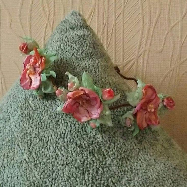 7 отметок «Нравится», 1 комментариев — Elena Komarova (@philadella) в Instagram: «Венок Бохо из ткани ручной работы. #handmadewreath #handmadegifts #handmade #headbands #brooches…»