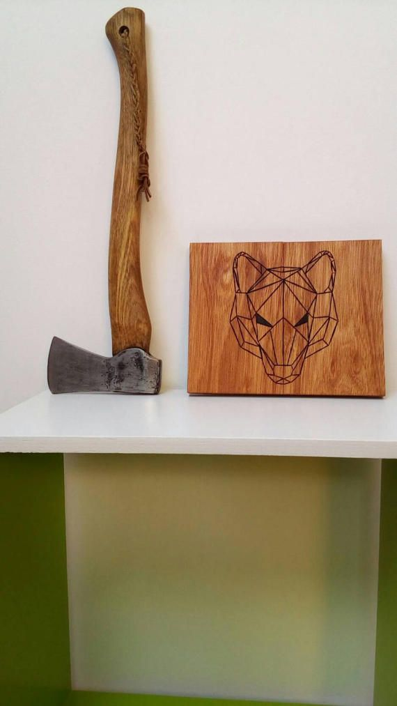 Bekijk dit items in mijn Etsy shop https://www.etsy.com/nl/listing/505653918/geometric-wolf-display-handmade-out-of