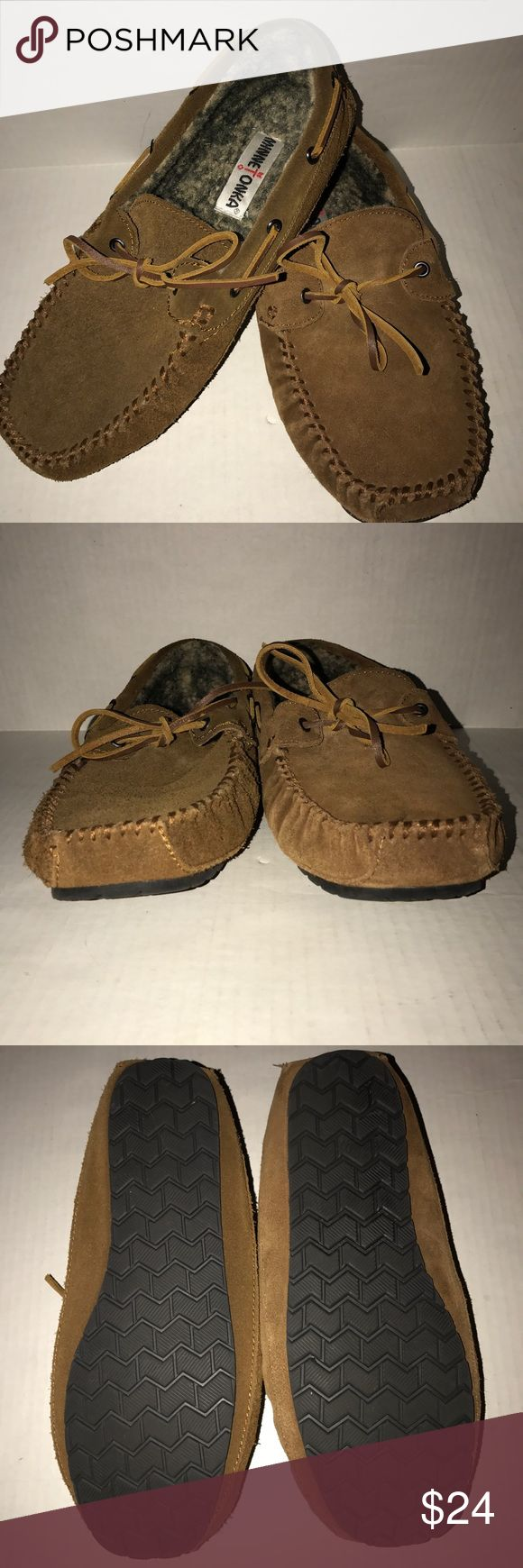 Minnetonka moccasins slippers men's slip on Mocs 9 New men's size 9 Minnetonka camel brown suede Mocs. Super comfy and soft interior fur lining. Slip on with soled bottoms. Comes from smoke and pet free home. Minnetonka Shoes Loafers & Slip-Ons