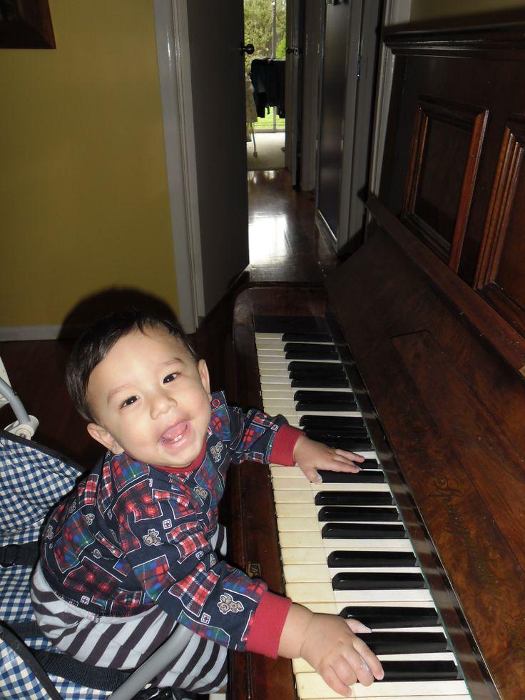 Clare's baby boy - Harper!  Watch out Stevie Wonder!!