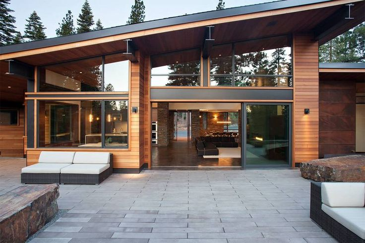 Cosy in the Chalet: Gorgeous chalet-like house with modern design has wonderful woodland views