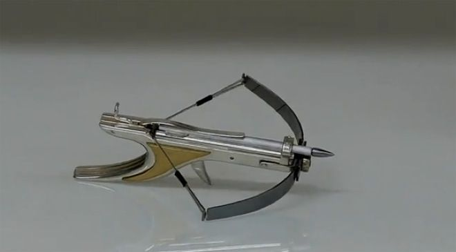 diy minature weapons | This tiny crossbow probably packs enough power to fell a tiny elephant