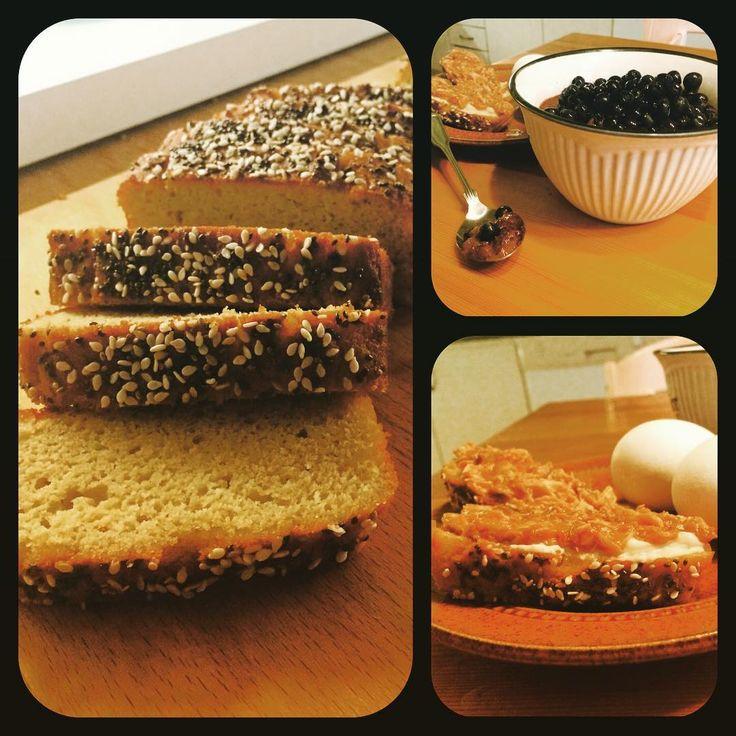 "Rebecca Dahlin på Instagram: ""My evening snack. New baked bread with mackerel and eggs. For dessert chia chokolate pudding with blueberries. Yummy.  #sukrin #fibersirupgold #glutenfree #sugarfree #dairyfree #healthyeating #healthy #nyttigt #sockerfritt #glutenfritt #mjölkfritt #alproalmondmilk"""