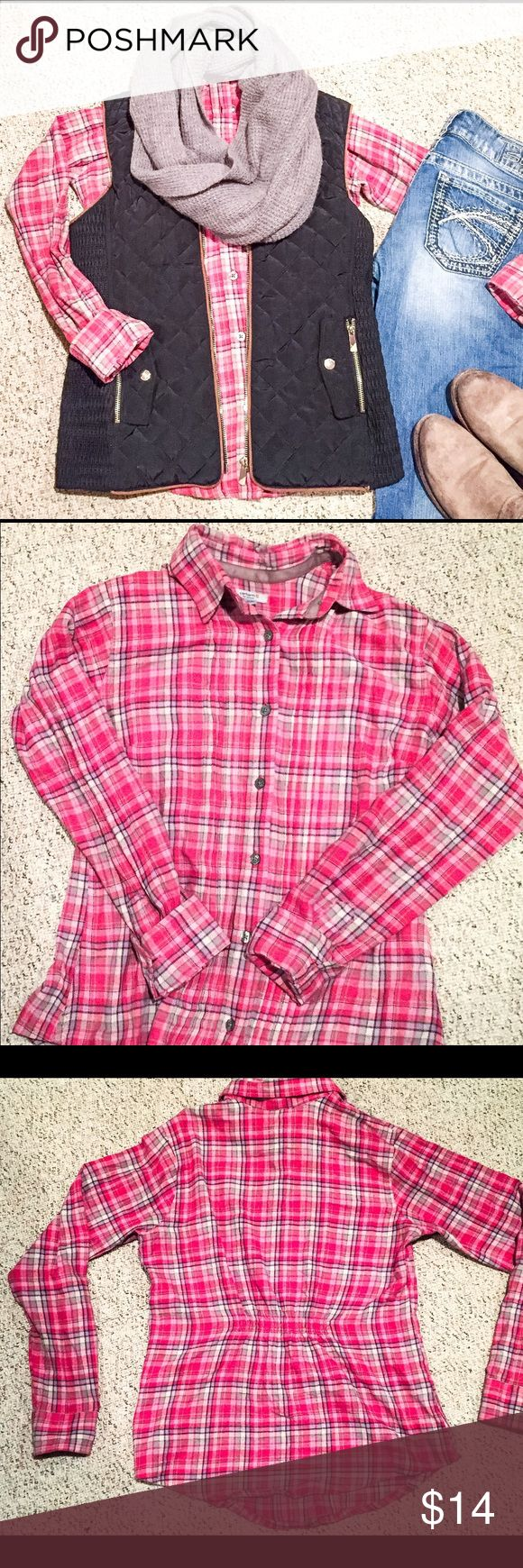 Carhartt Flannel Carhartt Flannel• 100% Cotton• SO Soft & Cozy• Gently Used• Size Small Carhartt Tops