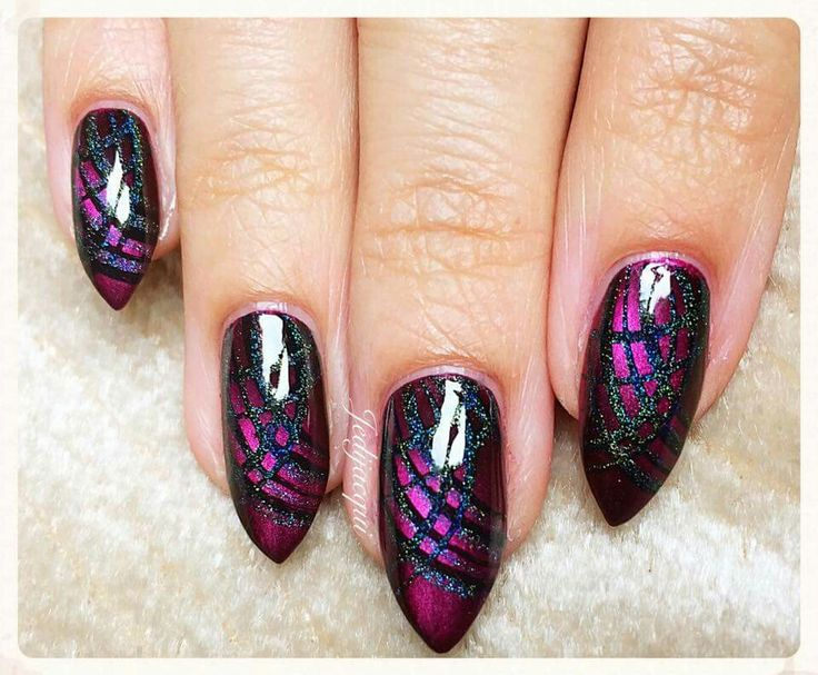 Dark pink magnetic nail polish with stamping and glitter by @Jedijacqui