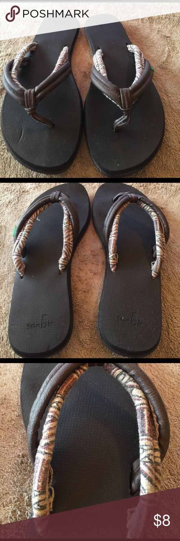 Sanuk brown/tribal strap slippers The best slipper for comfort wear, you cannot beat Sanuks❣Worn a couple of times. True 7. Sanuk Shoes Slippers