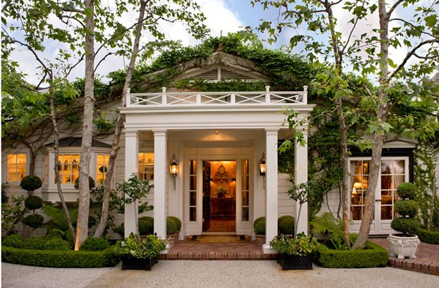 Small cottages to dream about.....: Hollywood Hill, Grand Entrance, Home Exterior, Guest House, Green Roof, Dreams House, Decks Railings, Curb Appeal, Southern Home