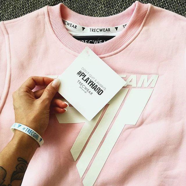Your favourite pinky sweatshirt :) #workout #trening #trecgirl #training #befit #sport #gymwear #active #sportswear # #stylizacja #stylisation #fitness #getfit #polishgirl #motivation #sweatshirt #instafit #fit #bluza #sweatshirt #fullcap #hat #czapka #róż #pink #pinky #pastelove #pastele  @oktawia.kowal @trecwear @trecnutrition