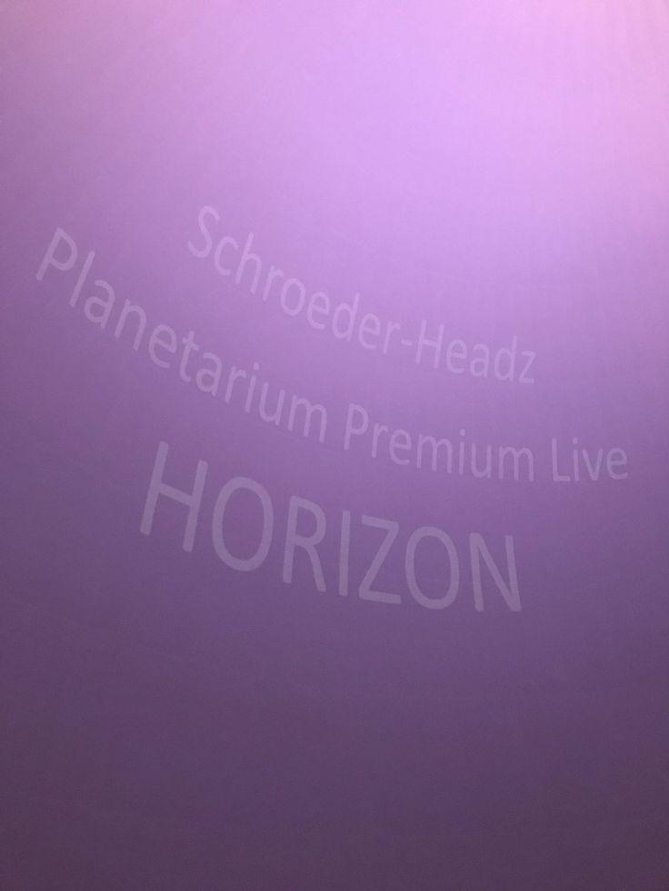 今夜は多摩六都科学館で初のプラネタリウムライブ。 Schroeder-Headyz 渡辺シュンスケさんの心に響く鍵盤と世界で4番目に大きなスクリーンから、いっぱいに繰り広げられる映像、近藤康平さんのブルーバードが飛んだり…星空と音楽で空に浮かんでるみたいな感覚…口空いてたな。。