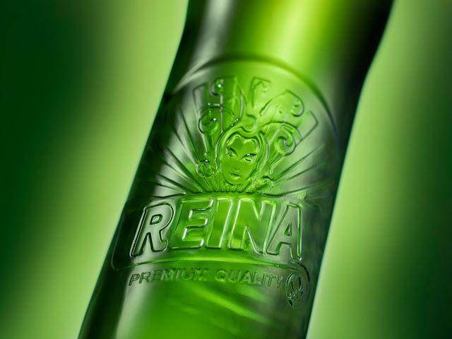 Reina. Embossing on glass.