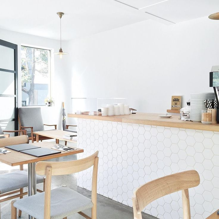 A small batch coffee roaster and café in the Sydney suburb of Darlinghurst, Edition Coffee Roasters Sydney fuses Nordic-Japanese elements, both in its menu and overall aesthetic.
