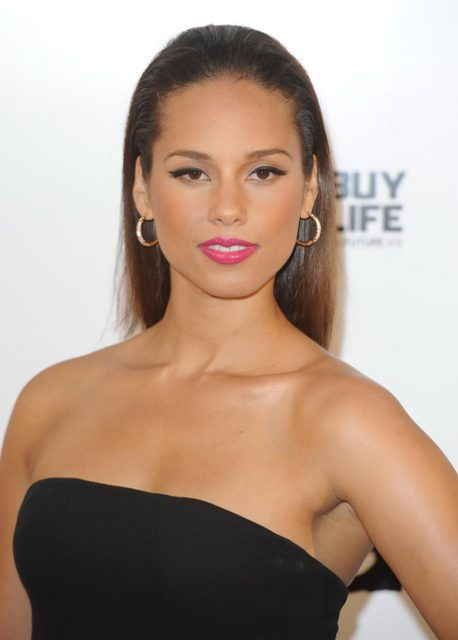 Alicia Keys Age, Bra Size, Height, Weight, Body Measurements