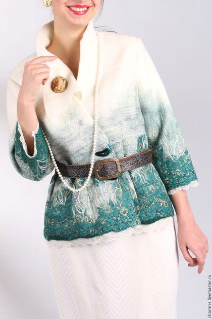 Купить или заказать Жакет валяный 'Иней' в интернет-магазине на Ярмарке Мастеров. Очень стильный и женственный костюм жакет и юбка. Выполнен из мериносовой шерсти и разнообразного по фактуре шелка, кружева, а также роскошной вышивки гладью. Под жакет чудесно подойдет легкая блуза, можно носить изделия как вместе так и отдельно.Костюм яркий и богемный, для женщины которая любит эту жизнь и наслаждается её проявлениями, и в прохладную погоду и в летний зной в этих изделиях вы будете чув...