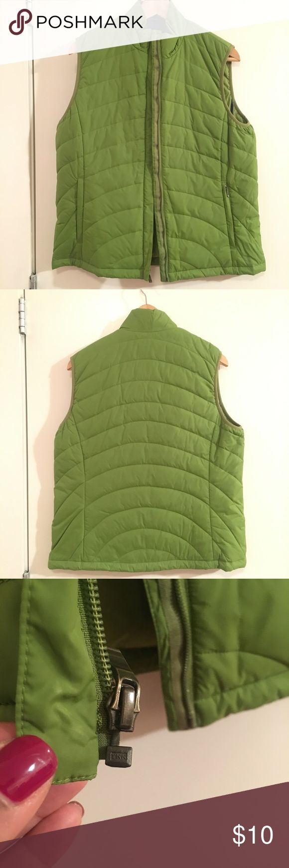 Lands'  End Lightweight Puffer Green Jacket SZ M NWOT  Lightweight Puffer Green Vest by Lands'  End. The Zipper has trouble at times as shown in picture so reduced for quick sale. Lands' End Jackets & Coats Vests