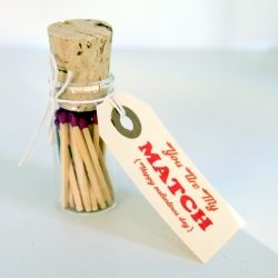 How to incorporate matches into weddings ~ featuring a simple DIY tutorial for charming wedding favours or a Valentine/Anniversay gift