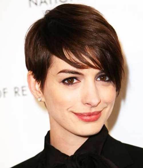 Anne Hathaway Eye Color: Los Peinados Cortos De Celebridades Más Populares