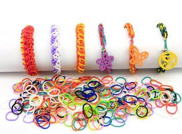 Pulseras con ligas de colores / Moda para niños 2014