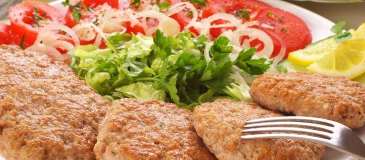 Kotlet mielony to obok kotleta schabowego najpopularniejsze mięsne danie w Polsce. W Małopolsce zwany sznyclem, dobrze zrobiony i doprawiony kotlet mielony może być prawdziwym rarytasem...