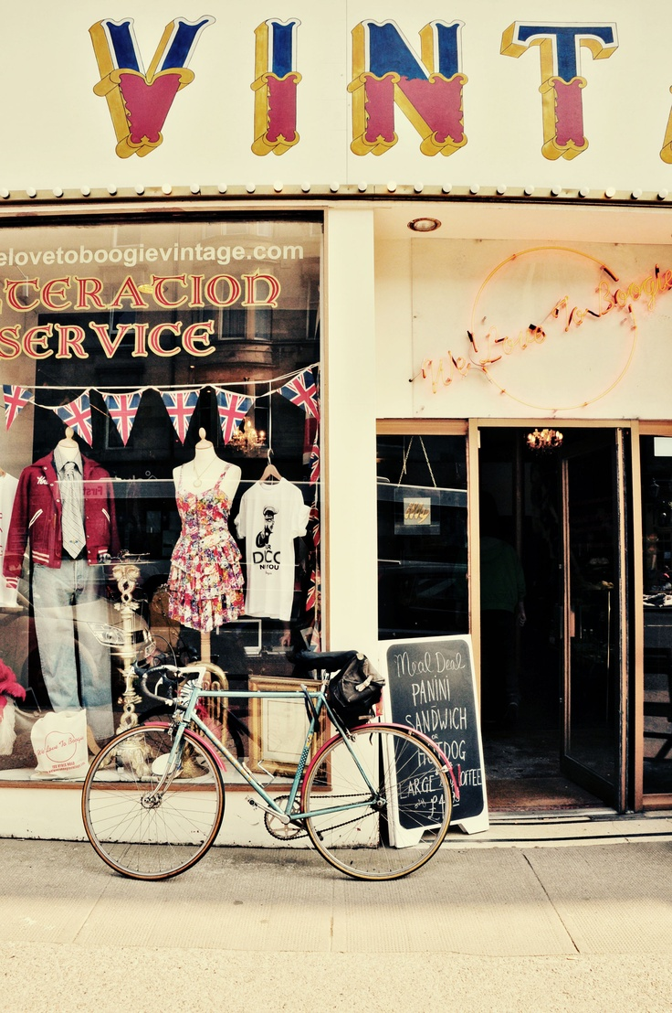 vintage. bicycles. yes please. all the above.