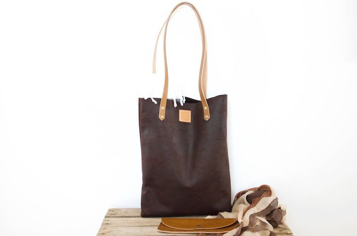 Slim leather tote // Oil pull up slim leather shopper