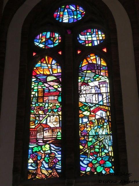 Otra vidriera de la Iglesia Mayor