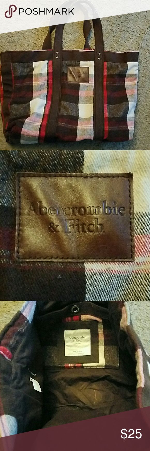 "Abercrombie and Fitch bag 24"" long 17"" tall and can be pulled out to 24"" wide when empty. Heavy bag. Abercrombie & Fitch Bags Totes"
