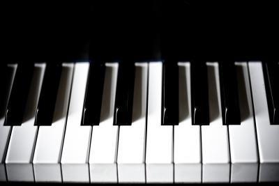 How to Make Yellowed Piano Keys White Again