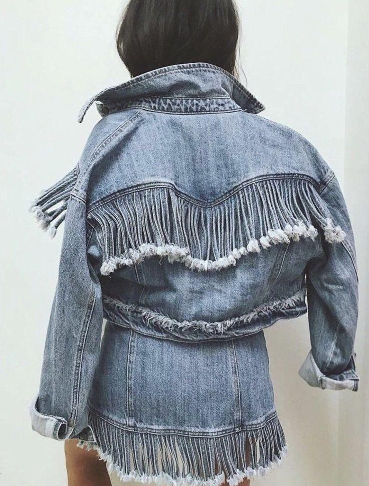 Jeannie Denim Fringe Jacket in 2019 Denim Fashion, Look Fashion, Womens Fashion, Fashion Design, Fashion Trends, Fringe Fashion, Fashion Ideas, Look 2018, Estilo Hippie