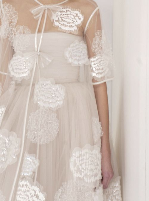 Chanel: Couture Details, Coco Chanel, Fashion Details, Style, Wedding Dresses, Chanel Details, Beautiful Clothes, Beauty, White Dresses