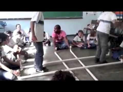 Escravos de Jó com tubos 2014 - out de 2014 Vídeo produzido pelo projeto PIBID/CAPES (Licenciatura em Música - UNIRIO). Coordenação Silvia Sobreira. Parceria com Escola Municipal Francisco Alves.