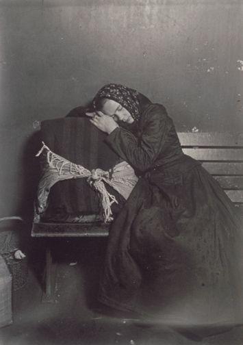 Lewis W. Hine, Slavic immigrant - Ellis Island, 1905.