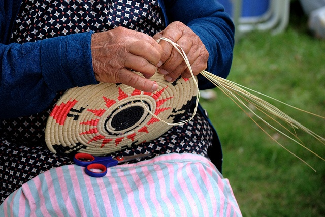 Hand made baskets  Mani antiche per antichi mestieri by Claudio John Floris's Photo, via Flickr