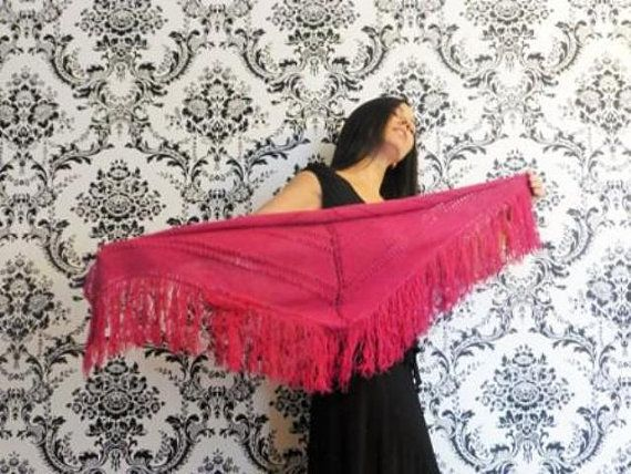 Lynda Doble Shawl with fringes/ Châle avec by TheKnittingTwins
