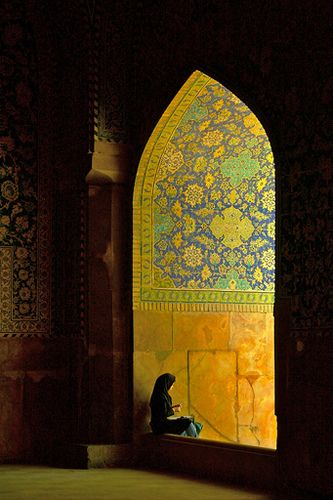 :::: ♡ ✿⊱╮☼ ☾ PINTEREST.COM christiancross ☀❤•♥•* ✨♀✨ ::::Mosque in Isfahan, Iran