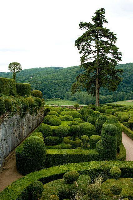 amazing Marqueyssac Garden Landscapes  #France #Garden #Landscape #Picture The Gardens of Marqueyssac is located in Vezac (France).       More information: Les jardins suspendus de Marqueyssac website !...